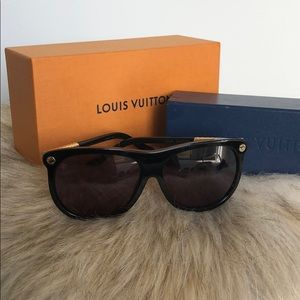 fe8c80da3e182 Black and Gold Louis Vuitton Sunglasses